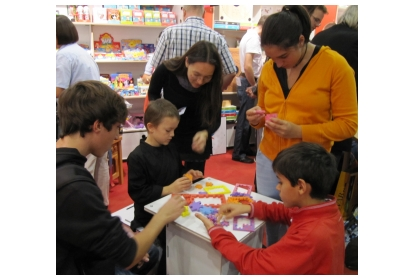 Demonstration of the Happy Cubes at the Frankfurt Buchmesse 2010.